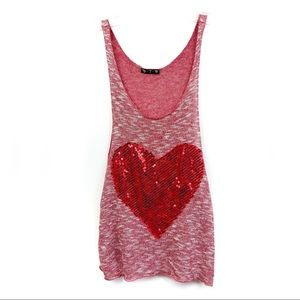 🛍3/26 579 red heart tank top